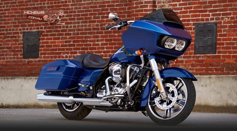 Harley-Davidson-Road-Glide-Special-2015-Blue-RHF