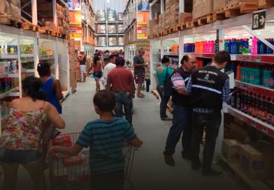 Procon visita e autua supermercado atacadista em Aracaju