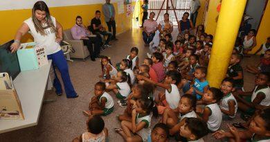 Alunos da Emef Monsenhor João Moreira participam de ação do Procon Aracaju