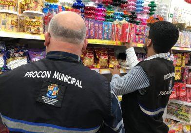 Bombonieres são fiscalizadas e consumidores recebem orientação