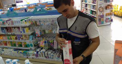 Prefeitura fiscaliza farmácias em Aracaju